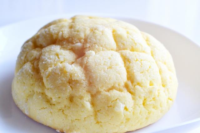 砂糖やバターを多く使っていて犬に与えてはいけないパン