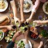 ホームパーティーに注意。犬に与えると危険な食べ物7選【獣医師監修】